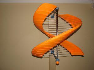 vejo sviestuvas orange1 300x225 - Vėjo šviestuvas
