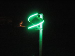 vejo sviestuvas zaliageltonanaktis3 300x225 - Vėjo šviestuvas spalvos